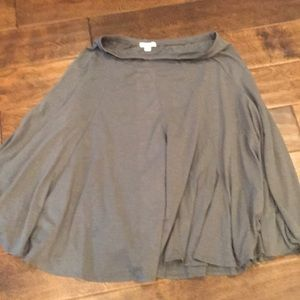 Garnet Hill gray flowy skirt